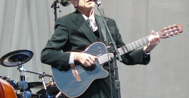 Leonard_Cohen_at_Edinburgh_Castle