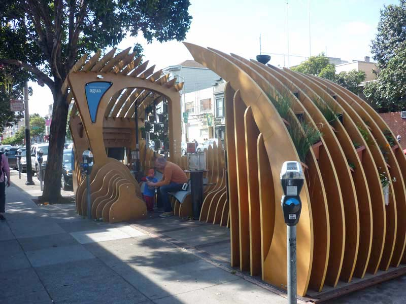 Ciencia Publica, a parklet holding exhibits on the theme of sustainable water use, was co-developed by Exploratorium's Studio for Public Spaces and community-based organizations in San Francisco's Mission District. Photo: Sven Eberlein